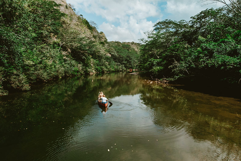 canoeing belize